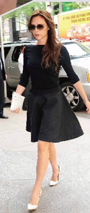 """style 维多利亚 时尚 孕妇/即使腹部隆起,维多利亚怀孕时的的穿着也""""无懈可击""""。"""